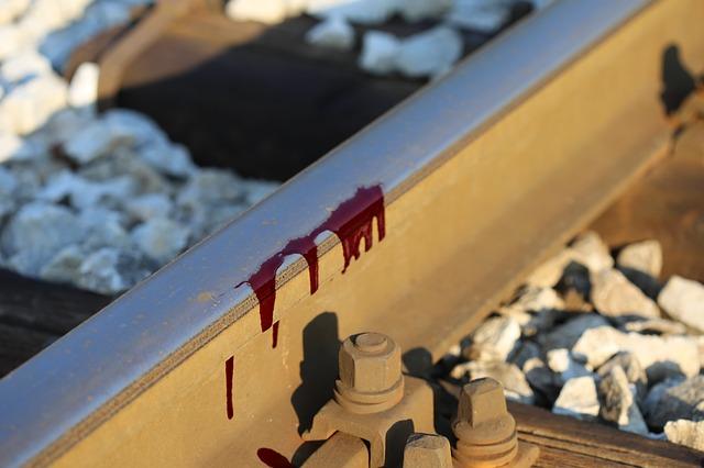 線路で自殺