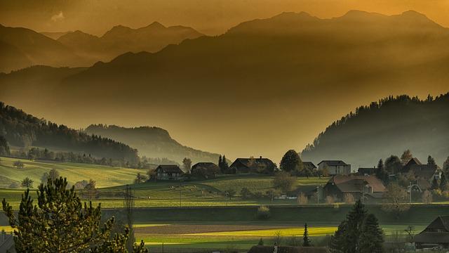山間の村、過疎地