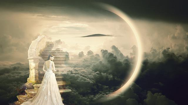 神の化身を支える天使
