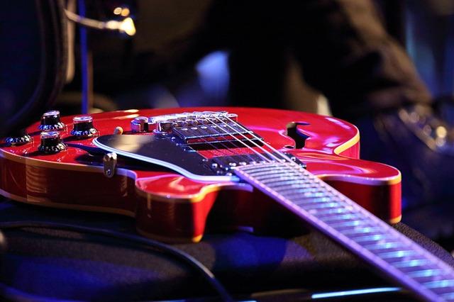 ギターと目が見えないハンディーキャプ