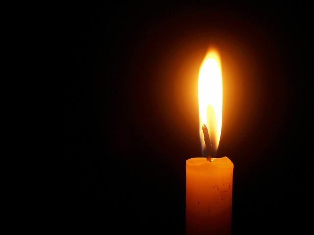 人に尽くす蝋燭