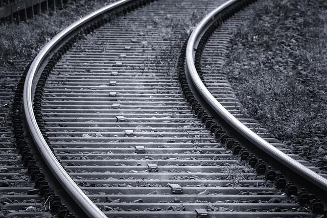 電車のアナウンスが神の七つの掟