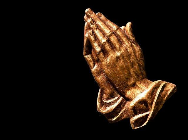 神に祈りながら神になる