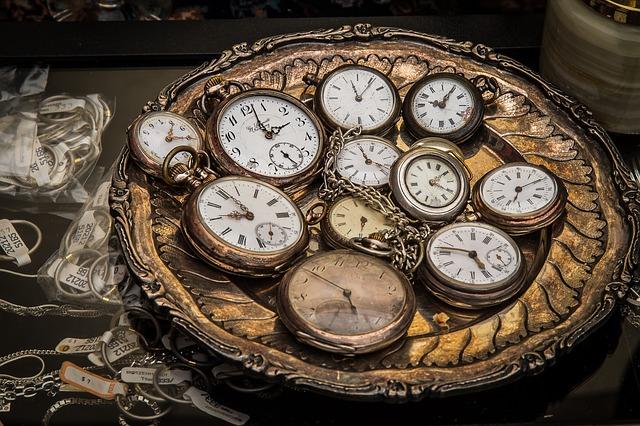 時計の針と神