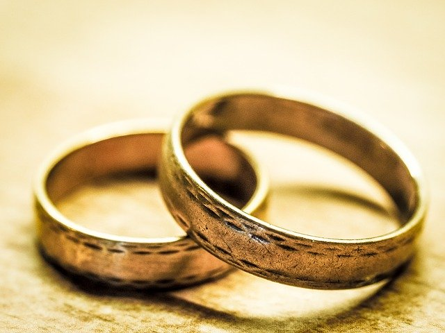 結婚挨拶に来た彼と指輪