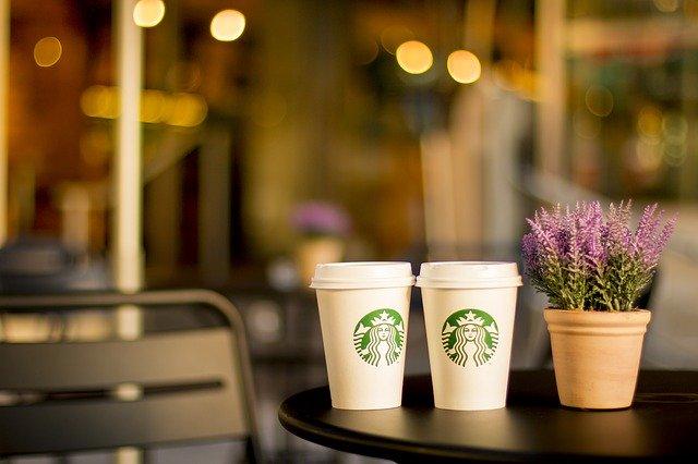 神の化身とカフェ