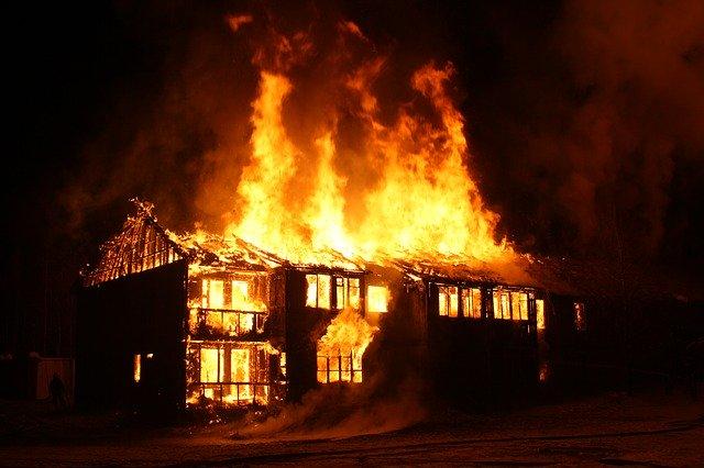 火事で火傷を負う