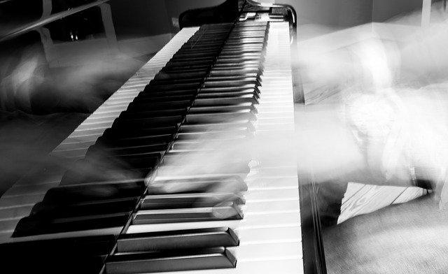 ピアニストと神の化身