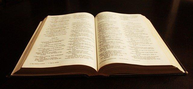 キリストを信じる殺人犯と神の化身