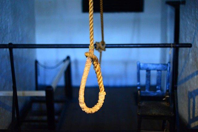 神と首つり自殺