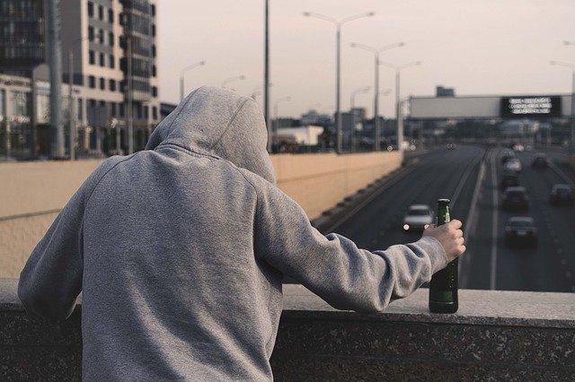 アルコール中毒の彼